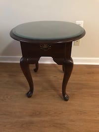 Ethan Allen end table Arlington