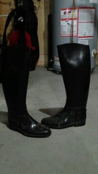 Ladies size 6 english riding boots
