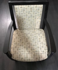 Upholstered chair - in excellent condition - for sale Mississauga, L5M