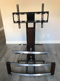 tv stand with mount Rancho Santa Margarita, 92688