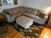 Grey Sectional w/ ottoman Winchester, 22602