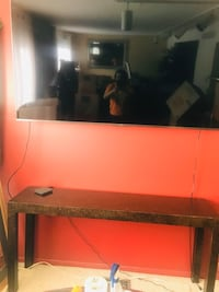 Pick up only. Sofa table with two matching mirrors