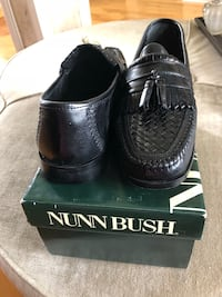 pair of black leather shoes with box Belle Chasse, 70037