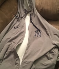 gray Nike New York Yankees zip-up hooded jacket