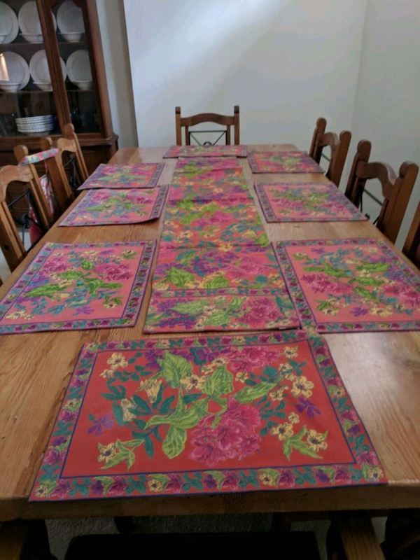 April Cornell place mats runner and apron