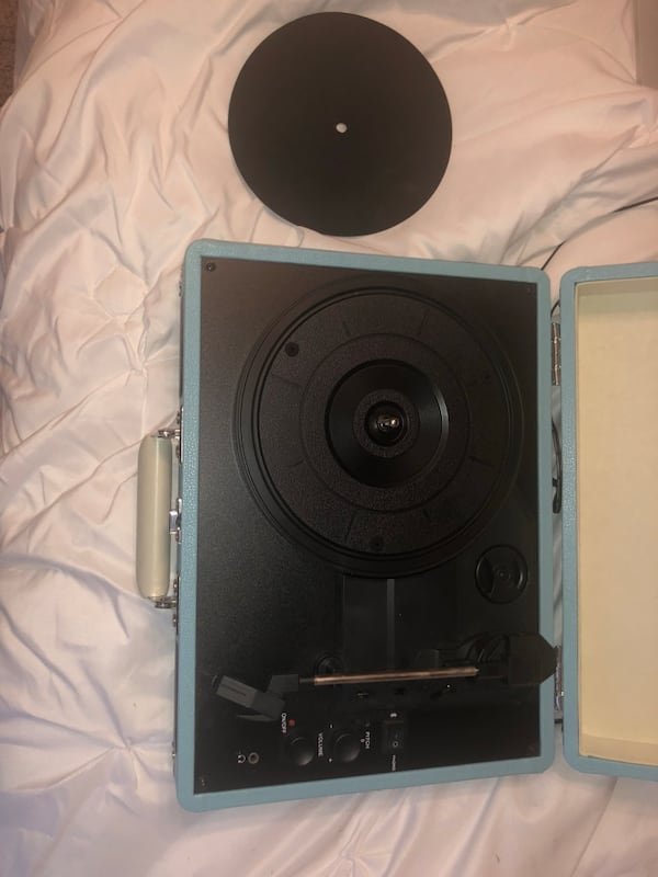 Record Player 1a9e8ef0-a23f-4867-88aa-3052c0900aa0