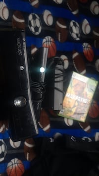 Black Xbox 360 with controller and camera and game Los Angeles, 90744