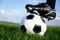 teach soccer to kids,5 to 10 yrs old...French and English speaking kids...available from morning period to 1pm everyday 72 km