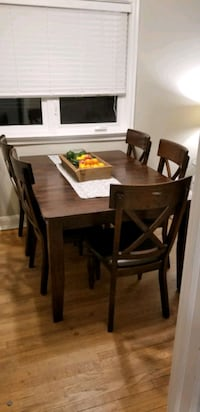 Solid wood dining table with 6 chairs Toronto, M3H 2T6