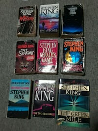 Stephen King paperback collection  914 mi
