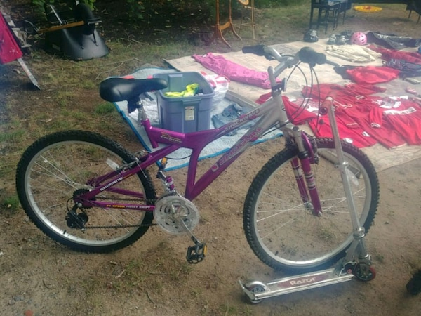 e53f20ba211 Used red and black full-suspension bike for sale in Exeter - letgo