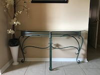 LIKE NEW BEAUTIFUL ENTRANCE TABLE IN EXCELLENT CONDITION Huntsville, P0B