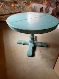 Solid wood table round