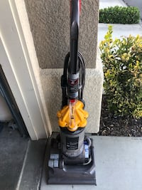 black and red upright vacuum cleaner San Jose, 95123