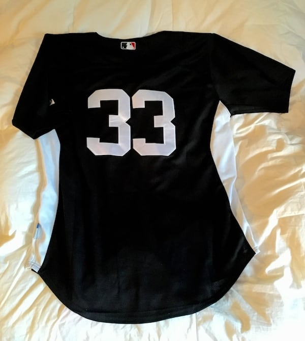 NY Yankees Jersey #33 - Brand New, size 52 3