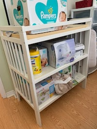 changing table Markham, L6G 1C5
