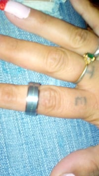 A man ring size 9 made of toungstine