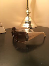 black and gray framed sunglasses Whitchurch-Stouffville, L4A 0G6