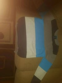 Boys sweater size 6/7