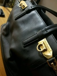 Salvatore ferragamo Leather Handbag Coquitlam, V3J 2V9