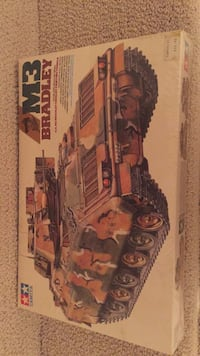 Model tank Bradley army unopened  Washington, 20015