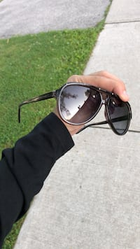 Black with silver Gucci sunglasses (PRICE DROP) Toronto, M1P 3K6