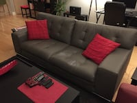 tufted black leather 2-seat sofa Laval, H7N 6H2