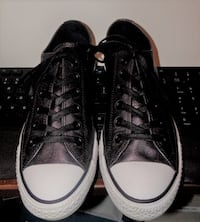 CONVERSE ALL STAR SILVER LEATHER LADIES SIZE 9 / 40 EURO Columbus