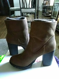 brown-and-gray suede chunky heels Anchorage, 99503