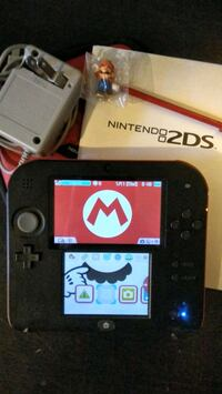 Nintendo 2DS Mario set w/ charger + more New Westminster, V3M 3Y3