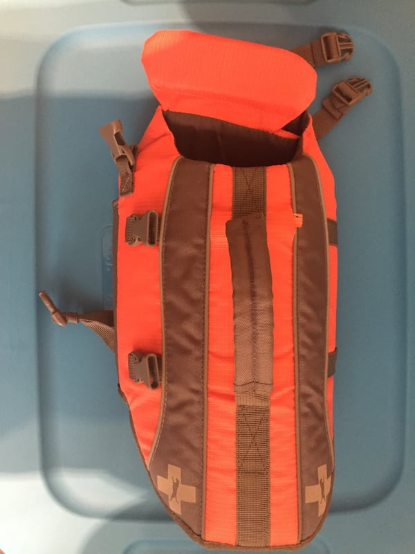 Small dog life jacket  84816ceb-4708-47a7-8fc6-9c32bfd11d62
