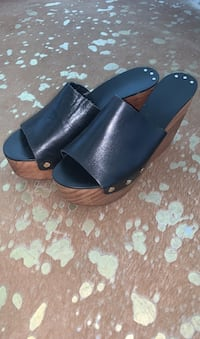 Womens size 40 (fits 8-8.5) Zara leather and wood Wedges