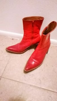 Size 8 ladies red leather cowboy boots Melbourne, 32935
