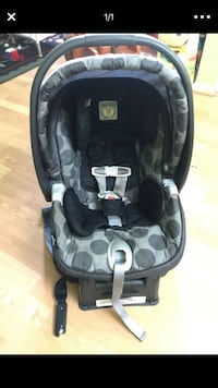 baby's black and gray car seat carrier Montgomery Village, 20886