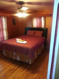 No Smoking Master bed room For Rent  w house share Detroit
