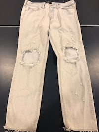 Pacsun jeans. Size 34 x 32.  Excellent condition, smoke free home. $10 Chester, 03036