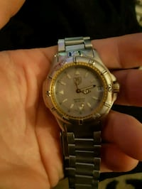 ***AUTHENTIC***TAG HEUER mens watch Delta, V4E 2A9