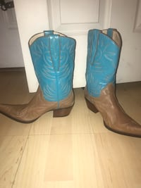 Guess Marciano leather cowboy boots