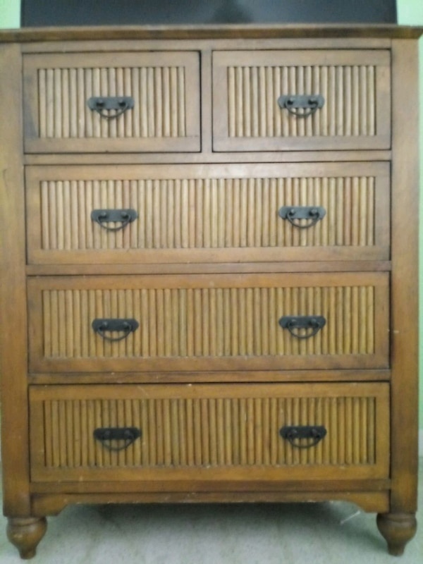 Dresser and two nightstands 3745a7f8-9f6c-42b0-9554-28a80d5a653f