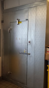 8 ft x 6 ft WALK IN FREEZER 8 ft high Less than 5 years old