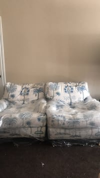 white and blue floral loveseat Los Angeles, 90034