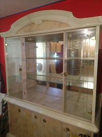 China cabinet with the matching table to go with i Suitland-Silver Hill