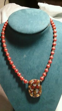 red and white beaded necklace Phoenix, 85008