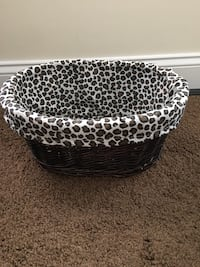 White black and brown leopard pattern pet cushion 60 km