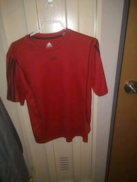 Red Adidas T-shirt Montreal, H2L 5E1