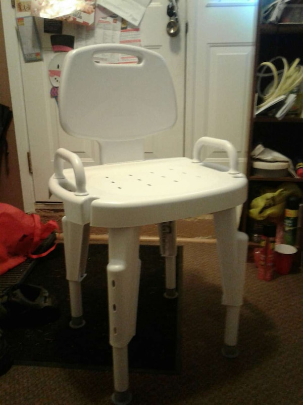 Used white shower chair for sale in Kitchener - letgo