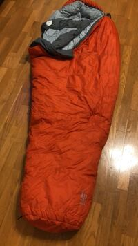 LL bean  20   degree sleeping bag