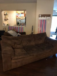 Set of two brown couches Knoxville, 37922