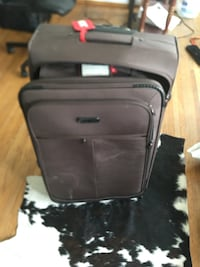 Suitcase for sale Burnaby, V5G 1T3