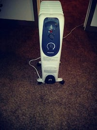 white and blue Bissell upright vacuum cleaner Youngstown, 44512